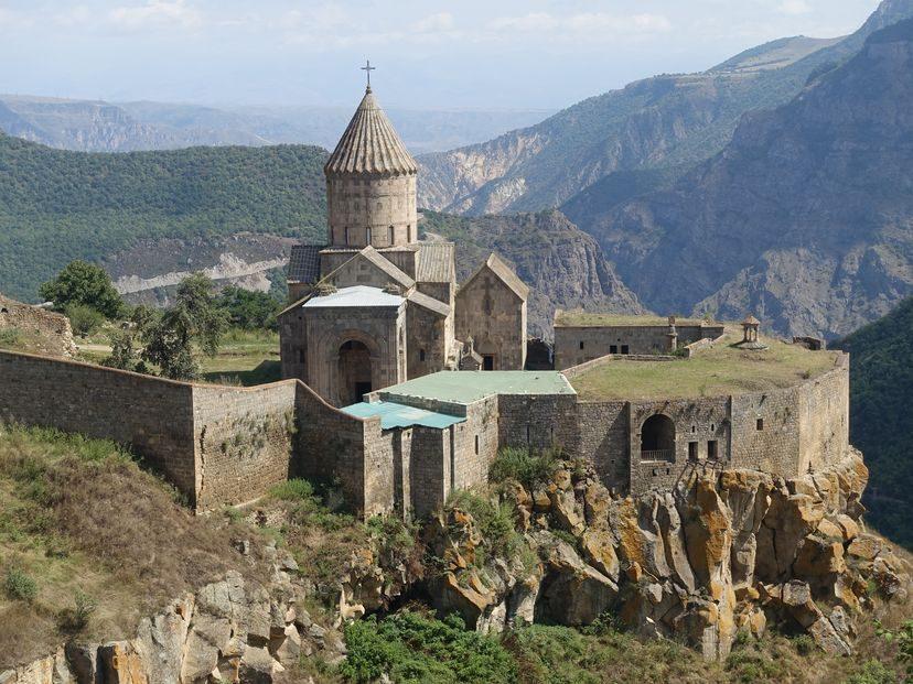 Татев монастырь