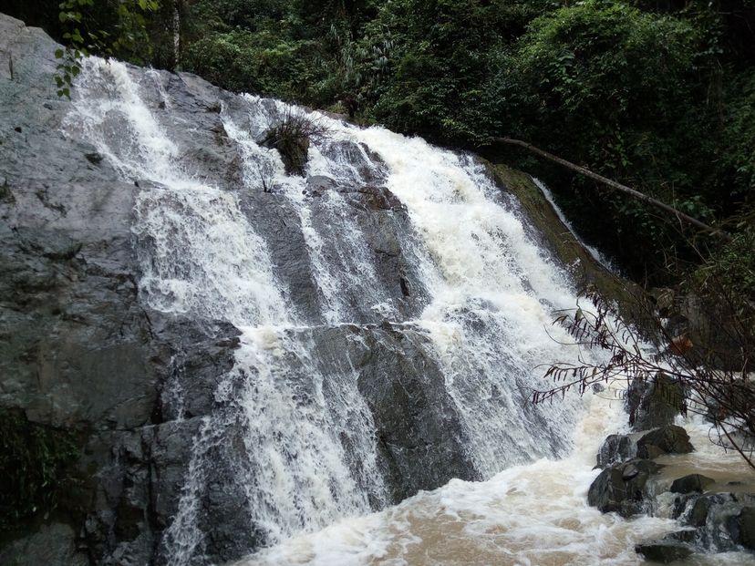 водопад Бан Нам Ди