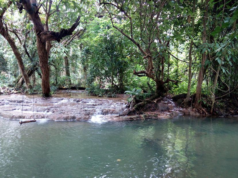 водопад Куанг Си Лаос