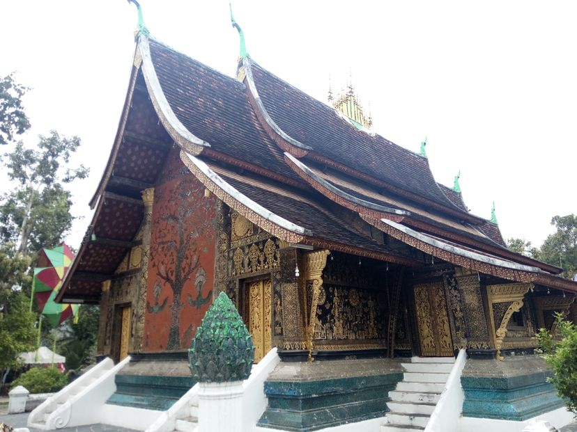 буддийский ват Лаос