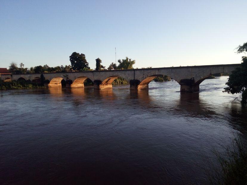 мост Лаос