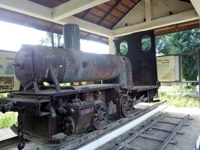 паровоз в Лаосе