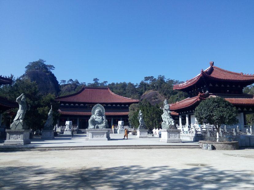 монастырь в уишань