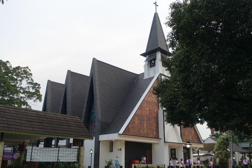 церковь в парке мини Индонезия