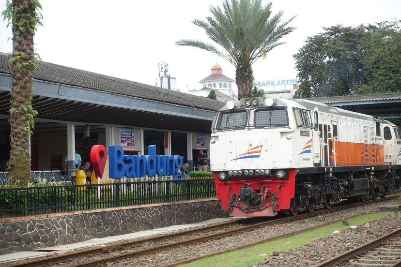индонезия поезда