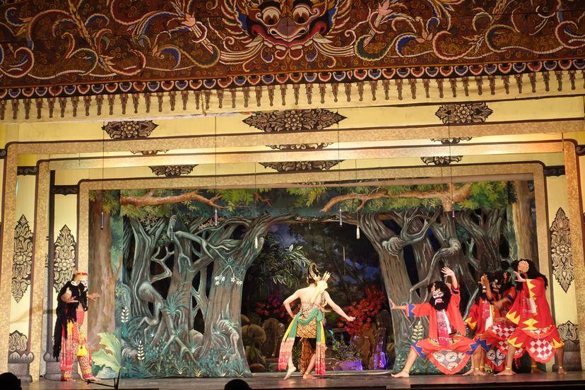 Традиционный театр Соло (Суркарты)