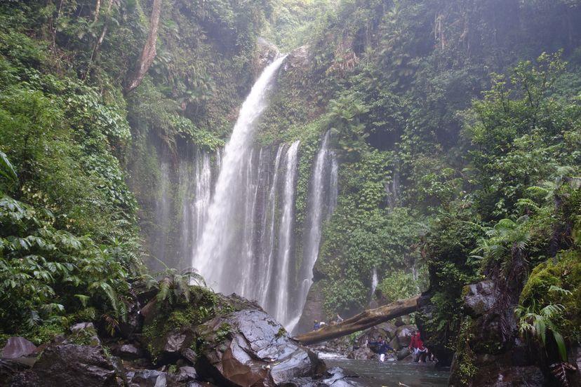Водопад на Ломбоке, Индонезия