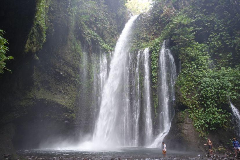 Водопад Ломбок Индонезия