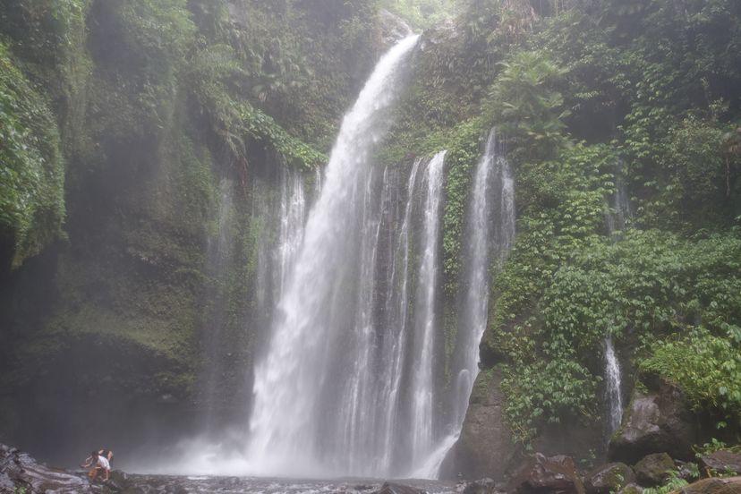 Водопад на Ломбоке