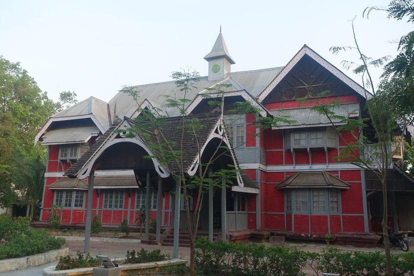 деревянный храм Мандалай