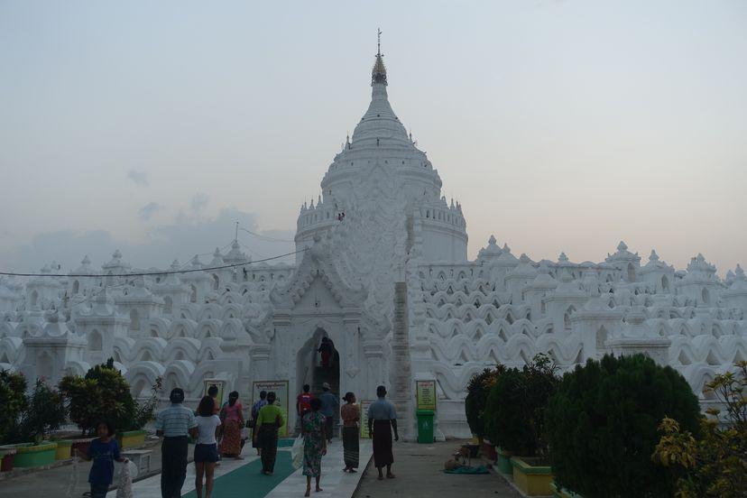 белый храм Мьянма