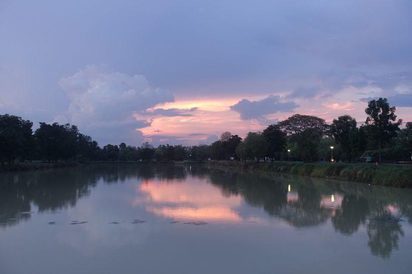 закат в Сукхотай