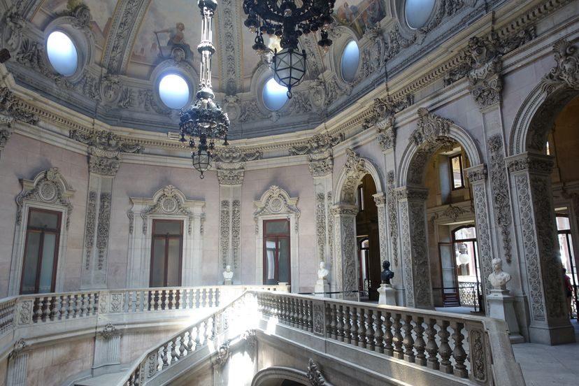 дворец Больса