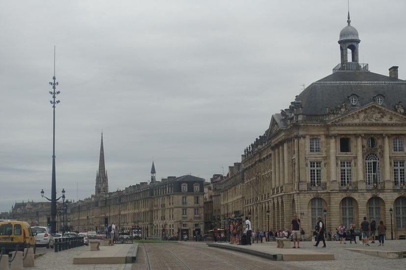 центральная улица в Бордо