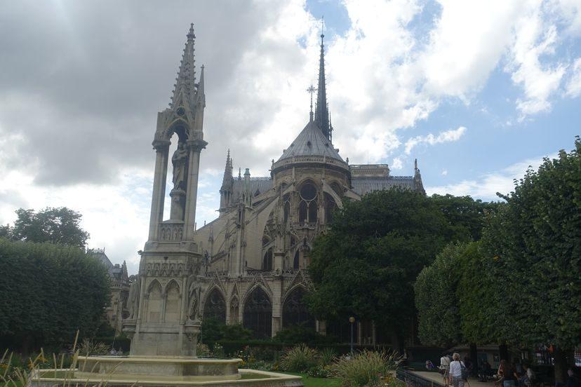 Нотр-Дам-де-Пари в Париже