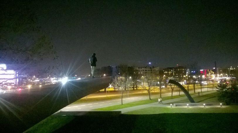 ночной вид на район Ротермани, Таллин