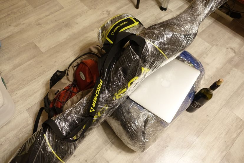 багаж и лыжи для катания в Австрии
