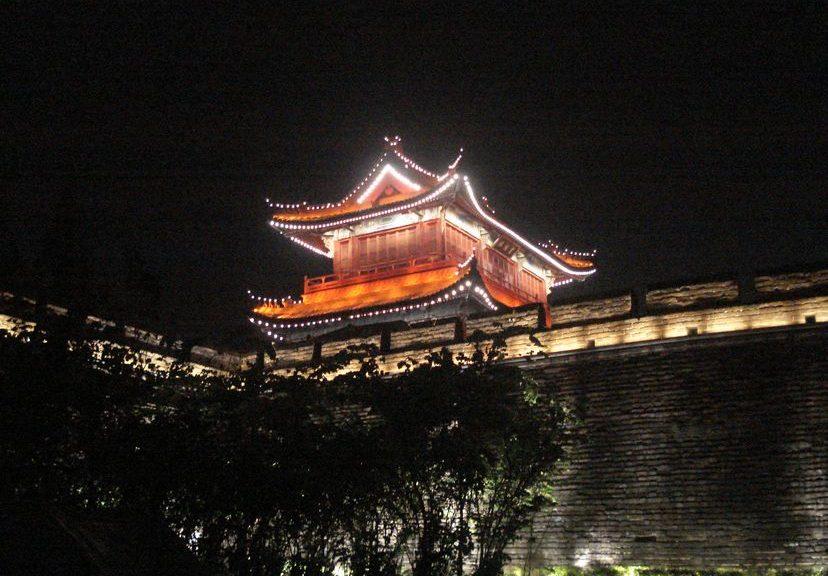 Цзинчжоу, Хубей - город с древней историей. Путешествие длиною в год