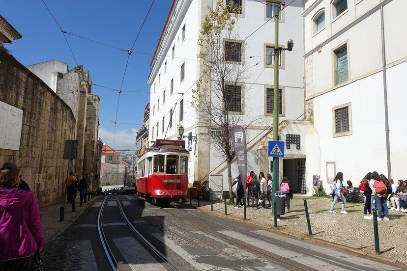 трамвай 28 в Лиссабоне