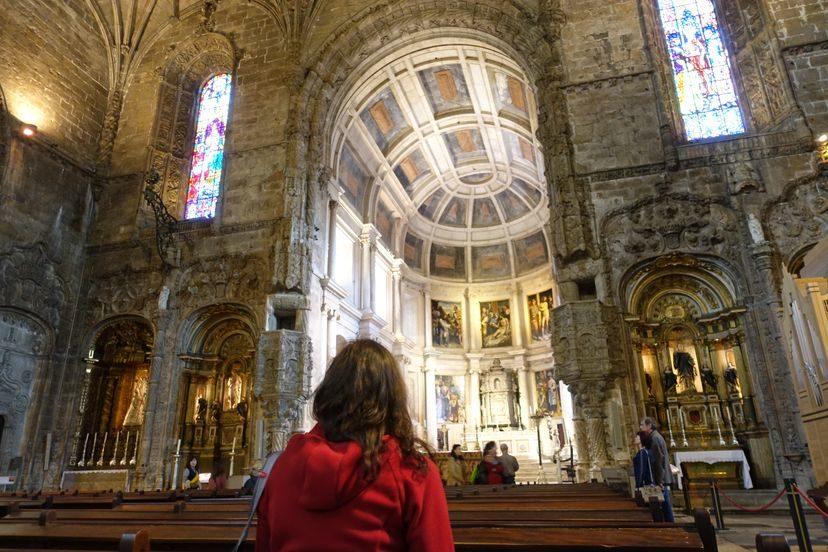 эффектная церковь Святой Марии в Лиссабоне